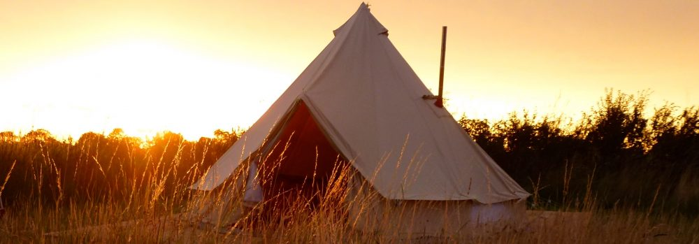 Glamping in Sutton on Sea Lincolnshire - beautiful bell-tent. On the farm.